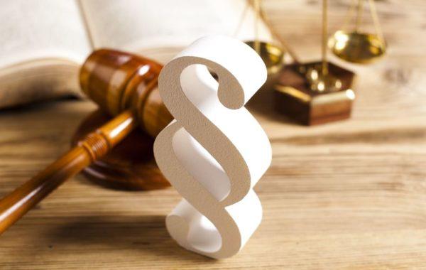 Bezpłatna pomoc prawna dla osób powyżej 65 roku życia