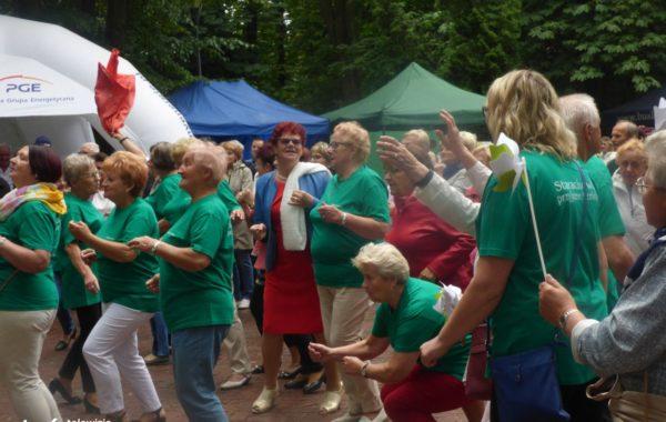 Niedzielny festyn Senioralia miał wyciągnąć starszych mieszkańców z domu i udało się
